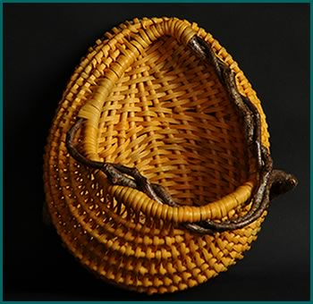 Easter Egg, a large pocket wallhanger made by basket artist Tina Puckett